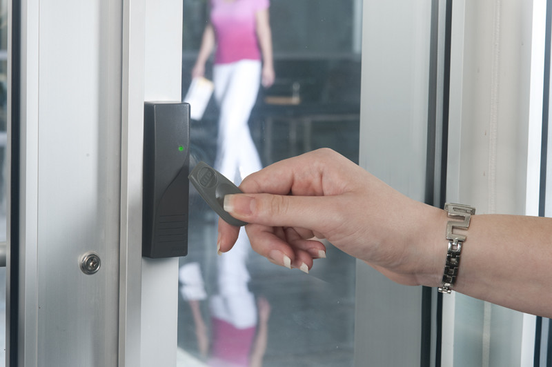 Eliminate risk by implementing Access Control System in your organization